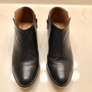 Lucky Brand Shoes - Lucky Brand 🍀 Ankle Boots